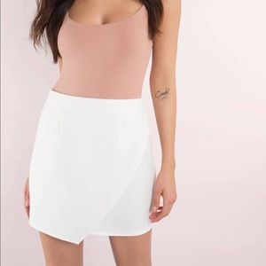 White skirt from Tobi Size Small